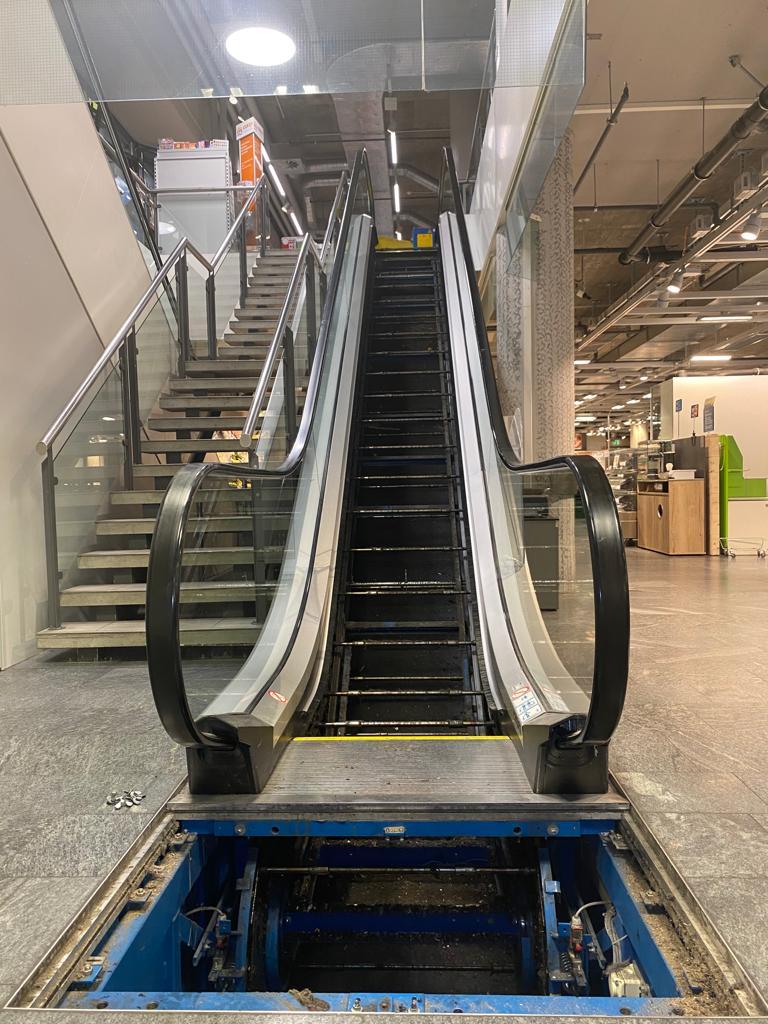 Aufzugselite GmbH | Brandschutzreinigung Fahrtreppen