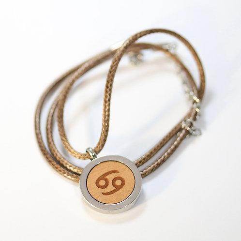 KREBS Sternzeichen Halskette mit Birnenholz