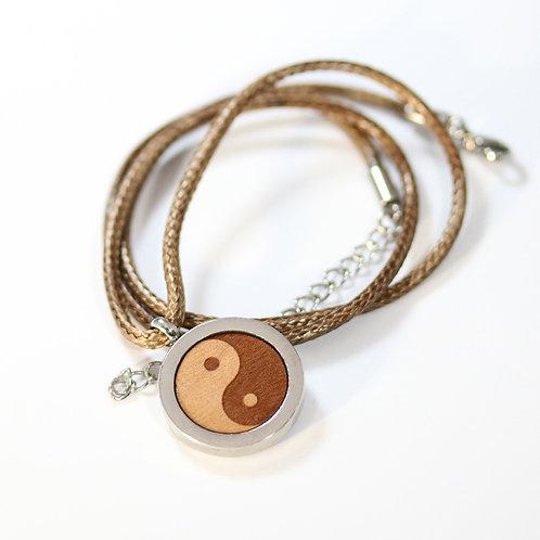 Ying Yang Halskette mit Birnenholz