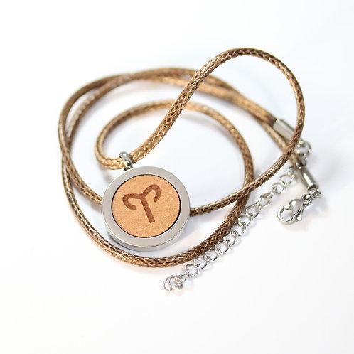 WIDDER Sternzeichen Halskette mit Birnenholz