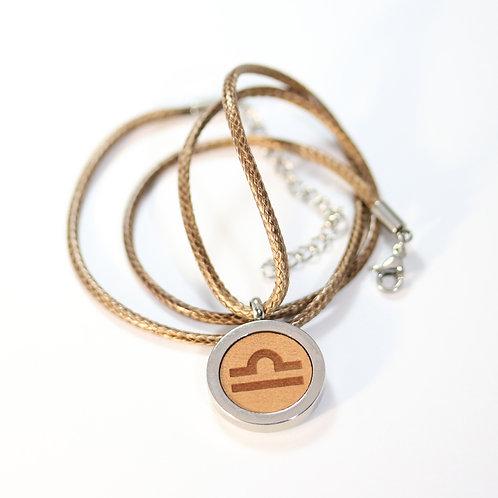 WAAGE Sternzeichen Halskette mit Birnenholz