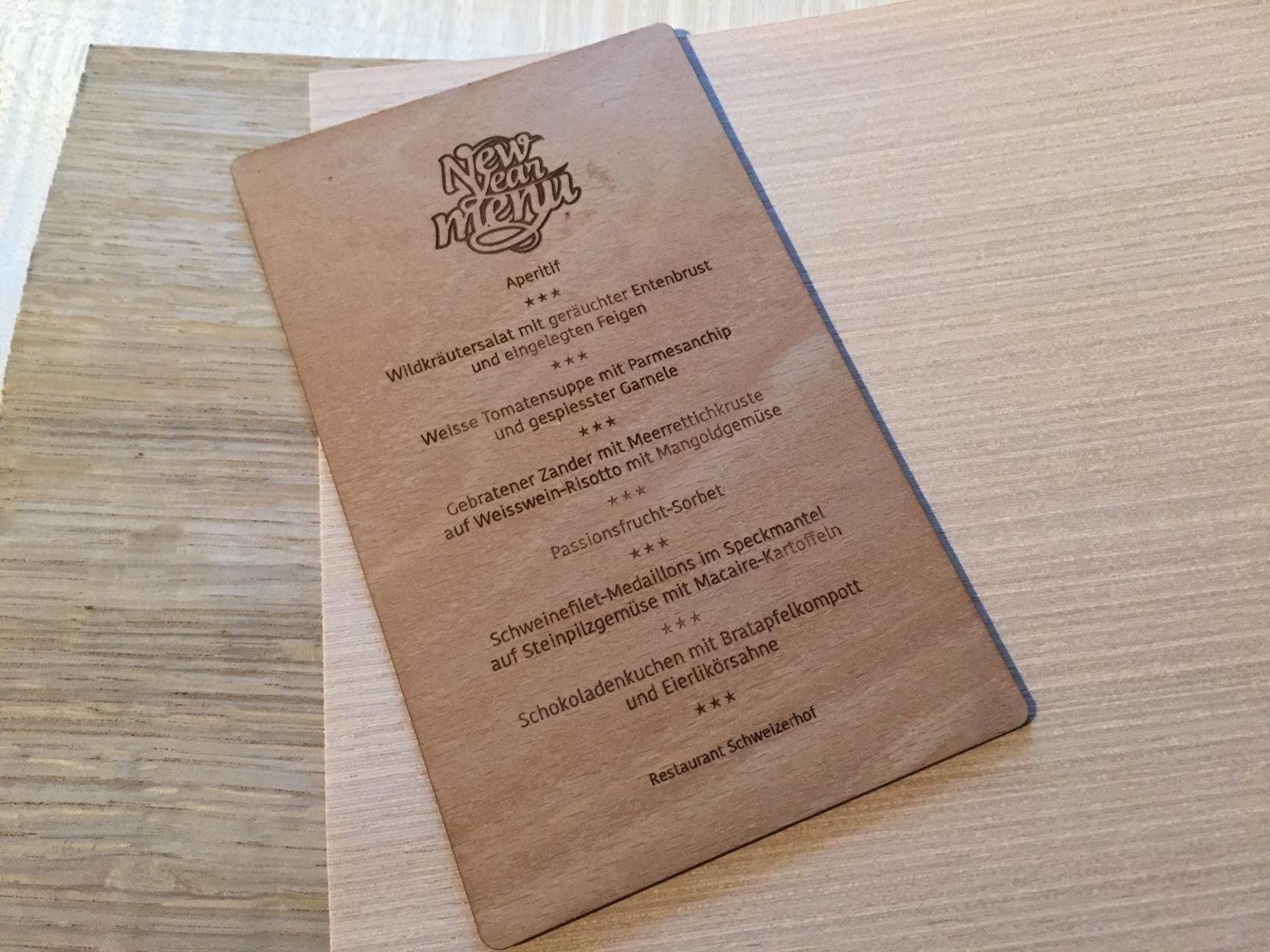 Speiskarte aus Holz