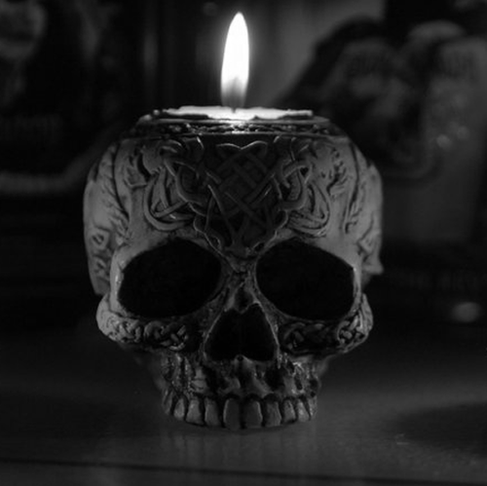 Hoodoo-ing with Black Skull Candles