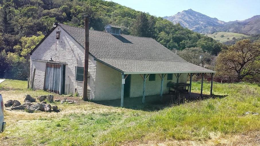 100yr old barn (7).jpg