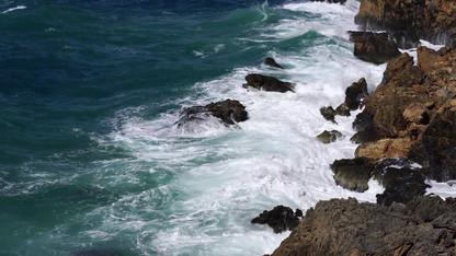 Waves - 22724 (1).mp4