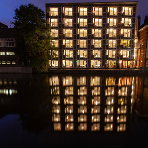 Plantage Muidergracht 20 by night