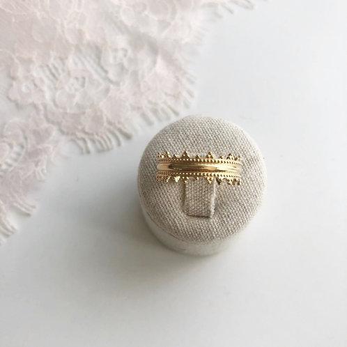 Azade ring