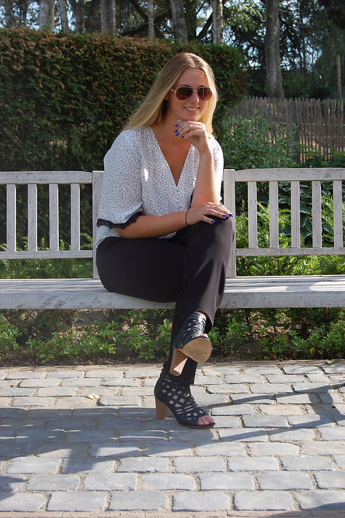 Klassieke zwarte broek met rekker in de taille Amelie&Amelie