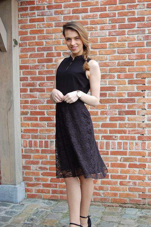 Zwarte jurk met kanten rok