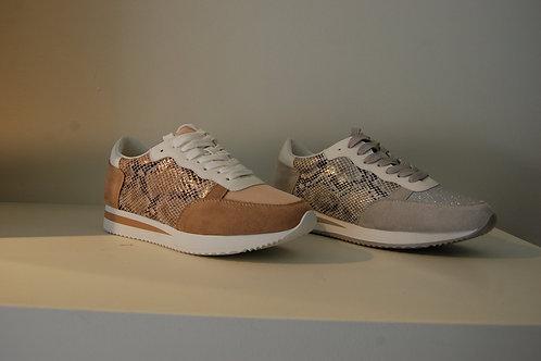 Sneaker grijs of beige