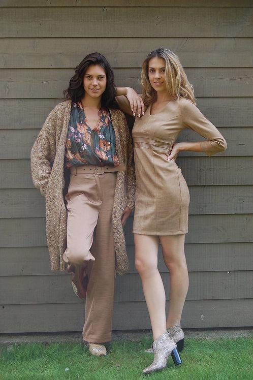 Beige broek met brede pijp satijn uitvoering Amelie&Amelie