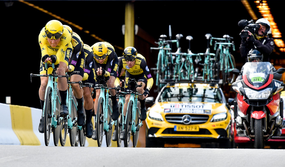 Jumbo-Visma with Mike Teunissen in the yellow jersey were the fastest at the TTT of the 106th Tour de France.