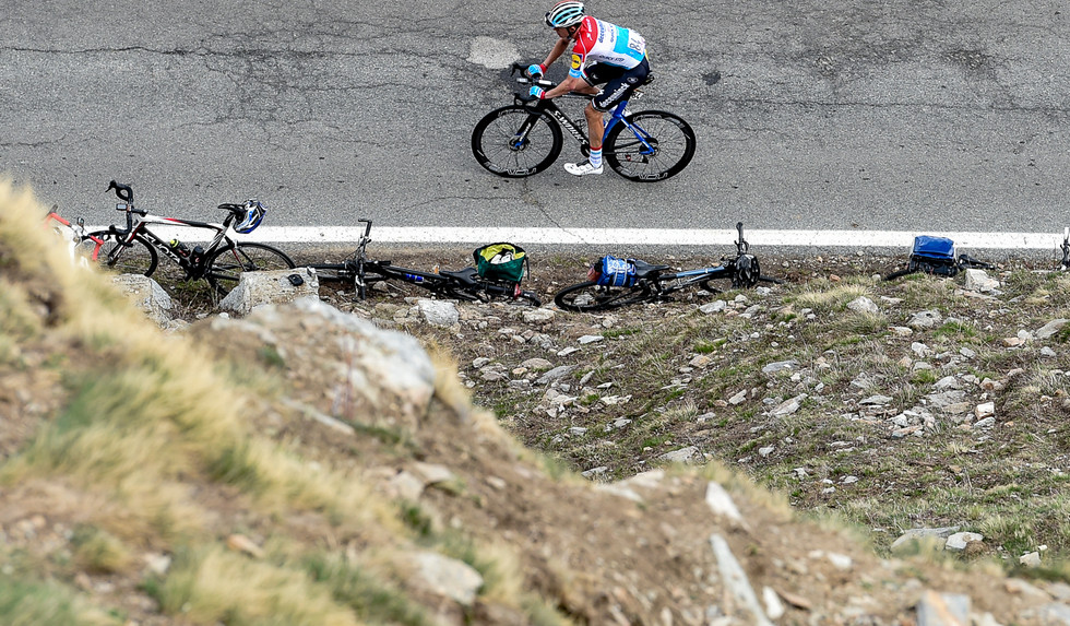Bob Jungels (L/Deceuninck) dropped at the climb up to Ceresole Reale on stage 13 of the Giro d'Italia.