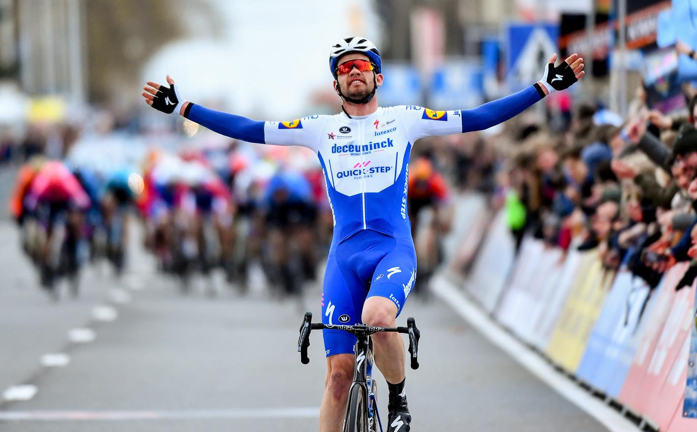 Kasper Asgreen (DK/Deceuninck) wins Kuurne-Brussel-Kuurne 2020.