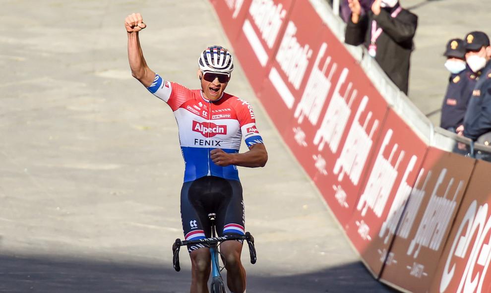 Mathieu van der Poel (NL/Alpecin-Fenix) wins the Strade Bianche 2021.