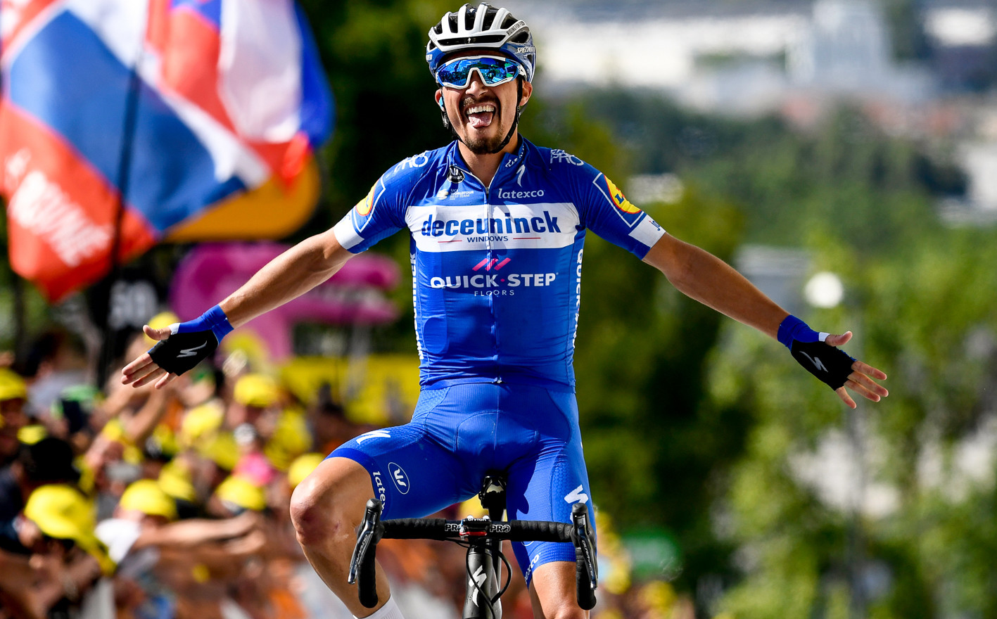 Julian Alaphilippe (F/Deceuninck) celebrates his victory at stage 3 of the Tour de France 2019.