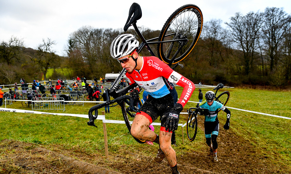 Lex Reichling, the luxembourgish cyclocross-champion 2020 in action.