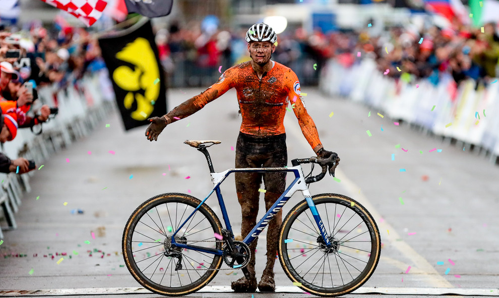 Mathieu van der Poel (NL) celebrates his third cyclocross world title at the Cyclocross World Championships 2020 in Dübendorf (CH).