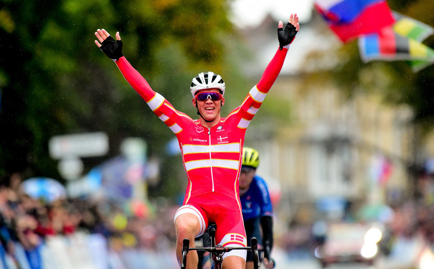 Mats Pedersen (DK) takes the world title at the 2019 Road World Championships in Yorkshire.