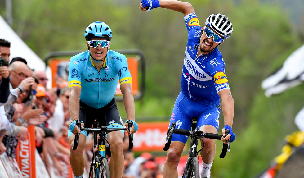 Julian Alaphilippe (F/Deceuninck-Quick Step) celebrates his win at the Flèche Wallonne 2019.