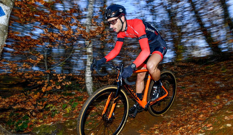 Vincent Dias Dos Santos (L) at the Cyclocross-Race in Belvaux (L)