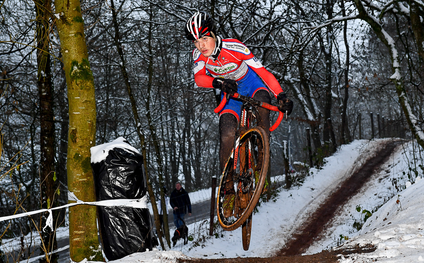 Jump ! Mika Lamesch (L) in action at the Cyclocross-Race in Warken (L)