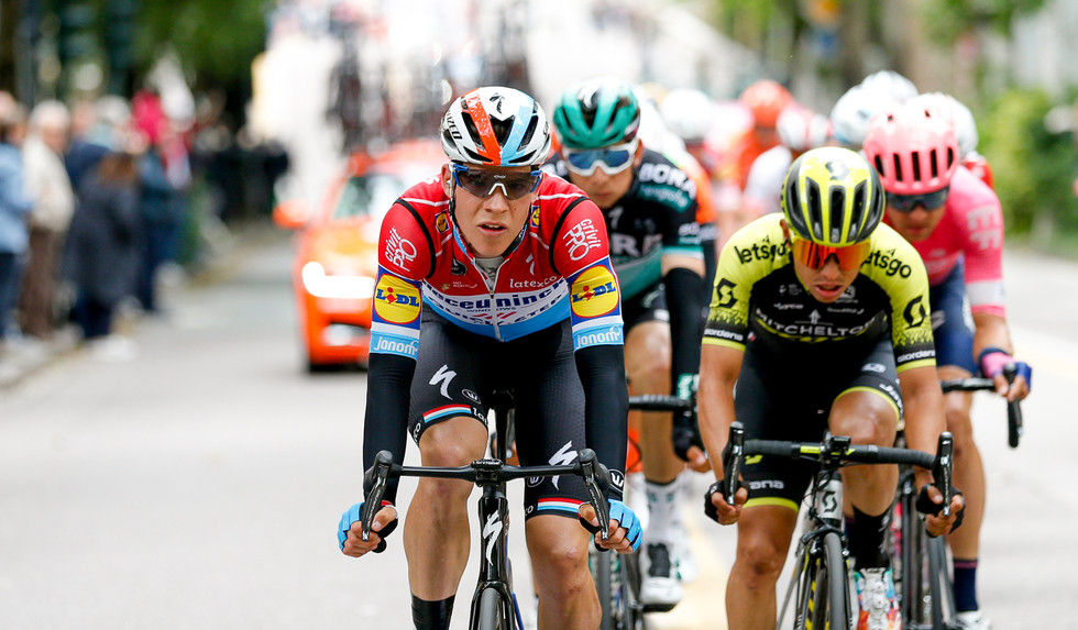 Bob Jungels (L/Deceuninck) and Esteban Chaves (COL/Mitchelton) in the breakaway on stage 17 of the Giro d'Italia 2019.