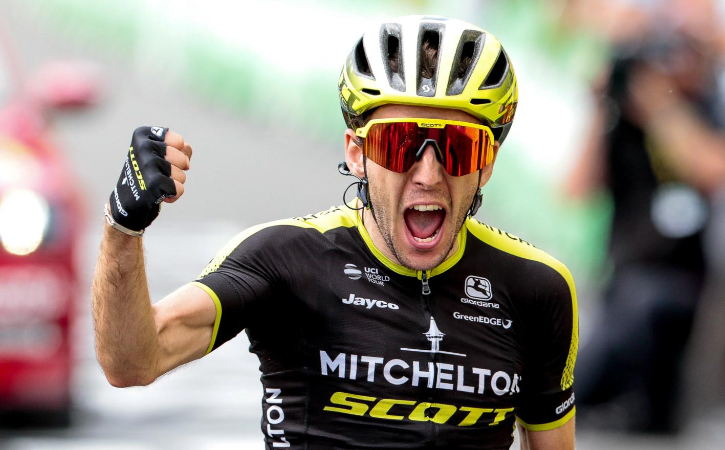 Simon Yates (GB/Mitchelton) wins stage 15 of the Tour de France 2019.