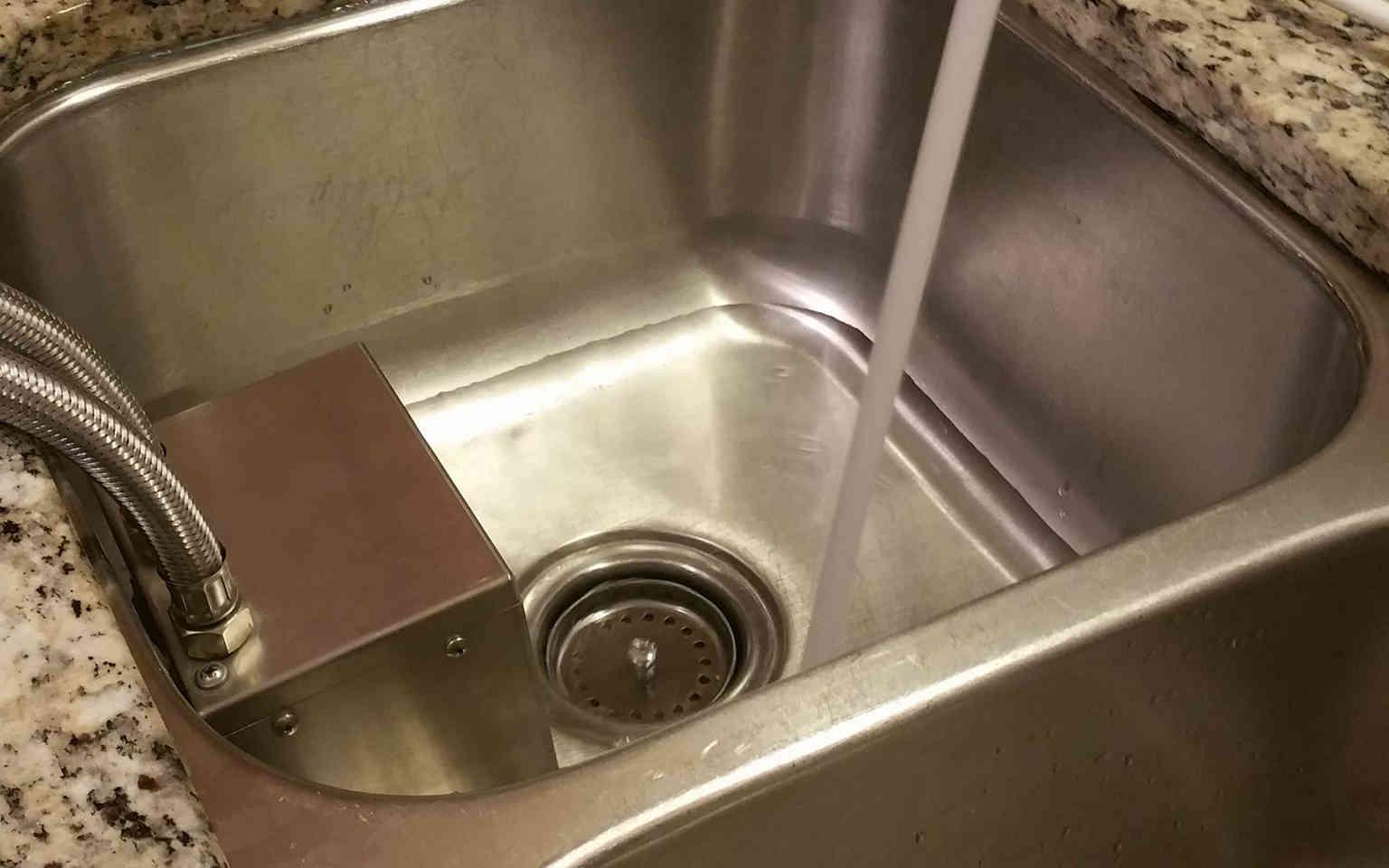 Portable Nanobubble Hydrotherapy - Sink View 1