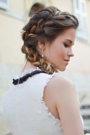 light prom hair braid