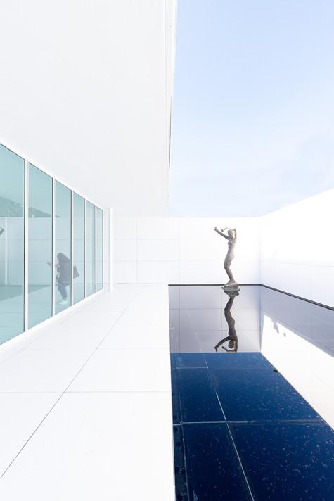 Barcelona Pavilion (white)