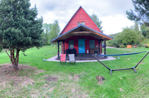 Domek - panorama od frontu