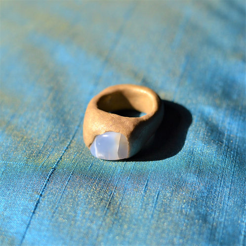 Dyer White Stone Sculpted Clay Ring