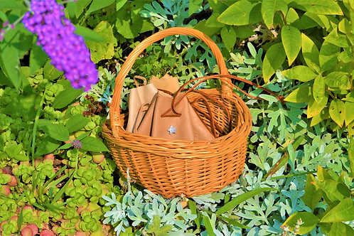 Wynnie Woven Wicker Vintage Oval Gathering Basket With Handle
