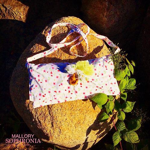 Zinnia White Floral 3D Blossom Honey Crystal Charm Shoulder Bag/Cross body Purse