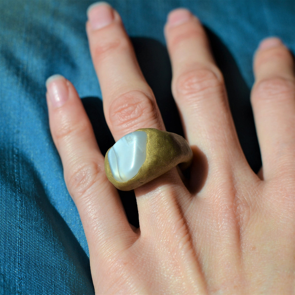 MS' Dyer White Stone Sculpted Clay Ring
