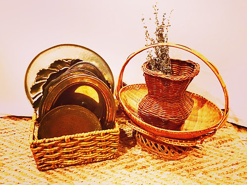 Windham Handcrafted Vintage Oval Wicker Medium/Large Basket With Handle