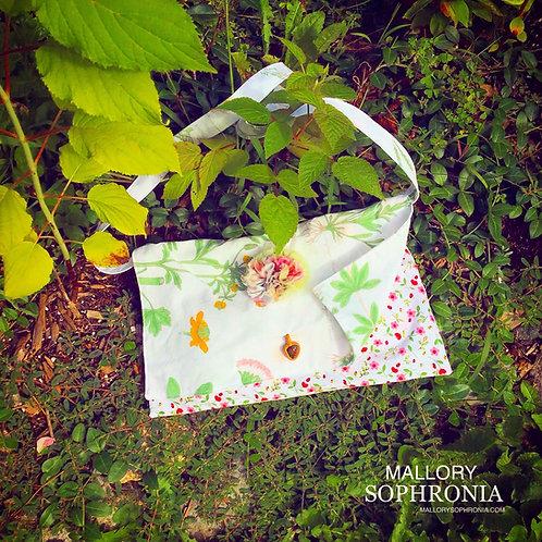 Faelyn White Floral 3D Blossom Bloodstone Crystal Charm Shoulder Bag Purse