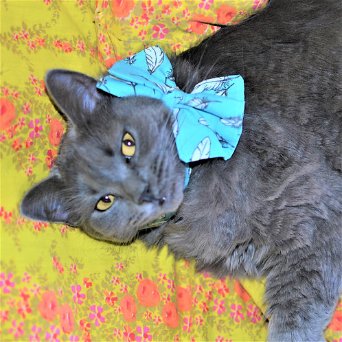 Fancy Feline Bow Tie Cat Collar