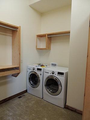 Washer / Dryer In Master Closet
