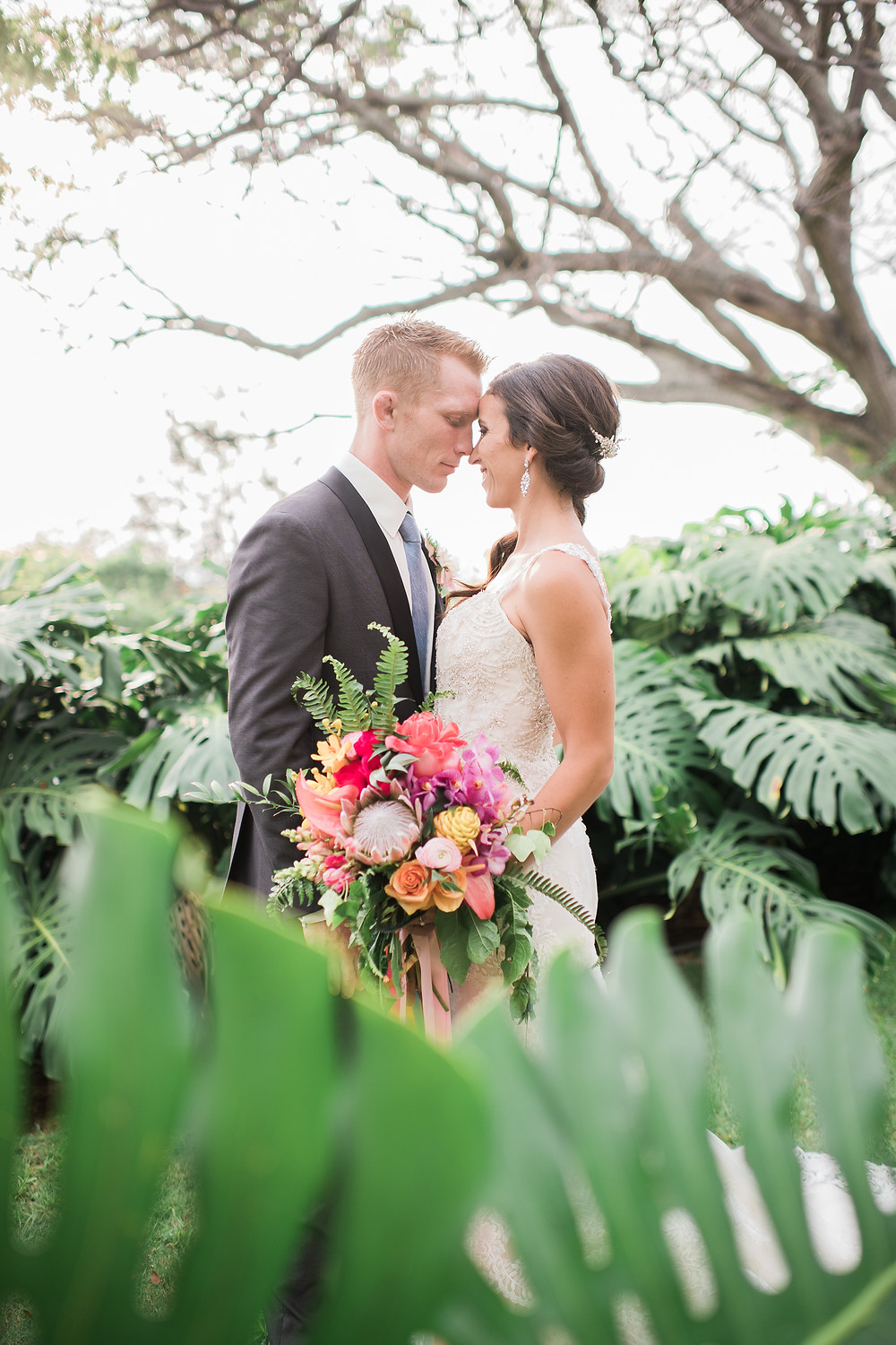Hawaiian Destination Wedding - Modern & Tropical Wedding