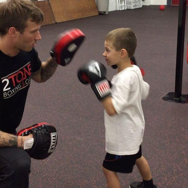 #boxing #kidsboxing #2toneboxingclub ##fatherandson #titleboxing #ringside #champion #fitness #2tone