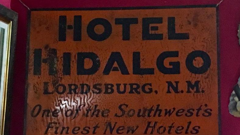 HOTEL HIDALGO SIGN