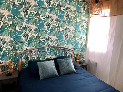 Jard sur Mer - Tropical bedroom