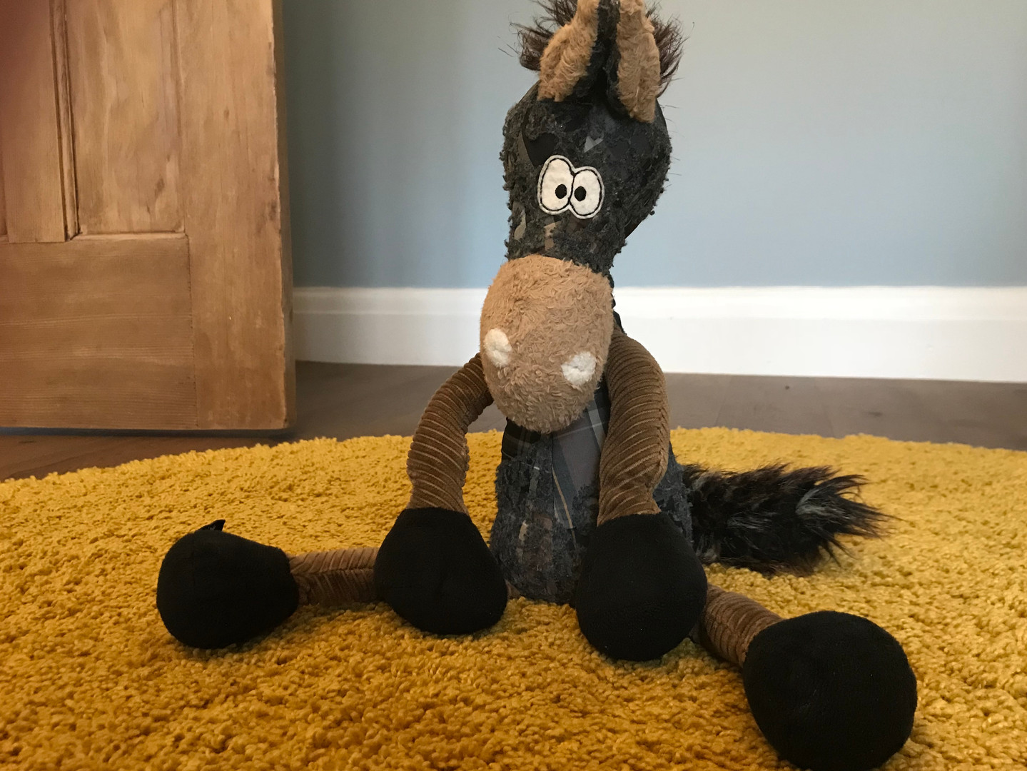 """""""BEASTS TOWN""""toy and woolen rug"""