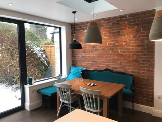 LEAMINGTON SPA Kitchen extension - brick wall, wooden floorboard, pendant lamps...