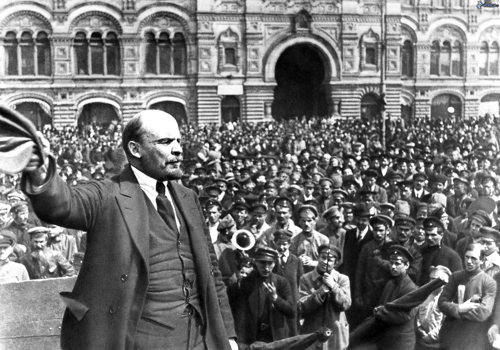 Lenin practicing being a statue