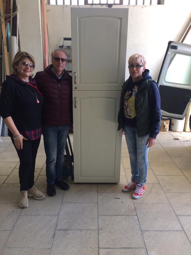 Locri (Rc): Mosca Arredamenti di Monasterace dona un frigo per il nuovo reparto di Talassemia.