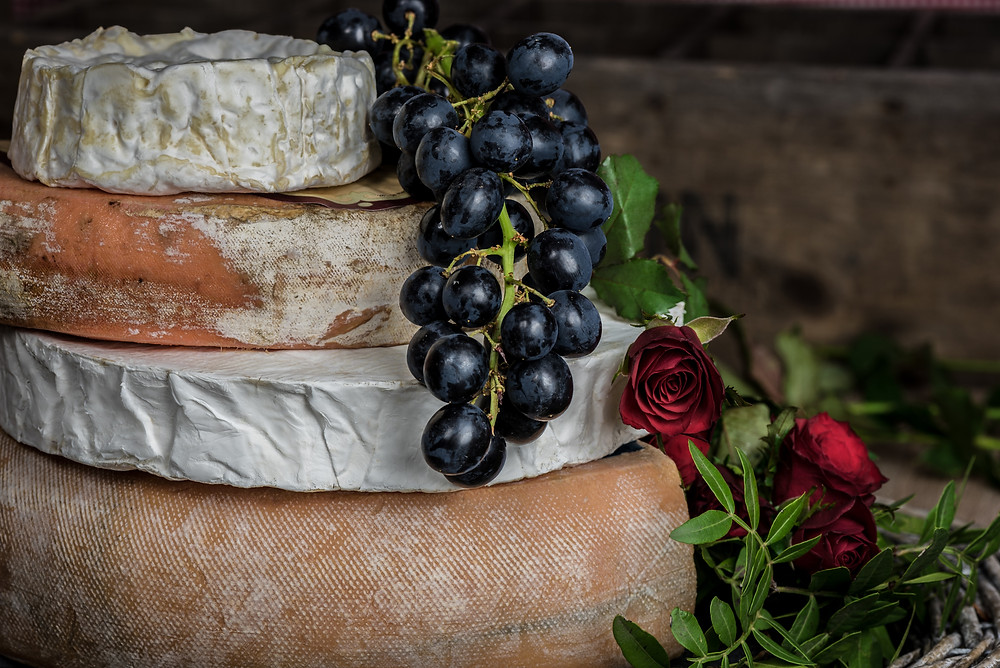 French cheeses with grapes