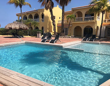 buddy-dive-resort-poolside.jpg